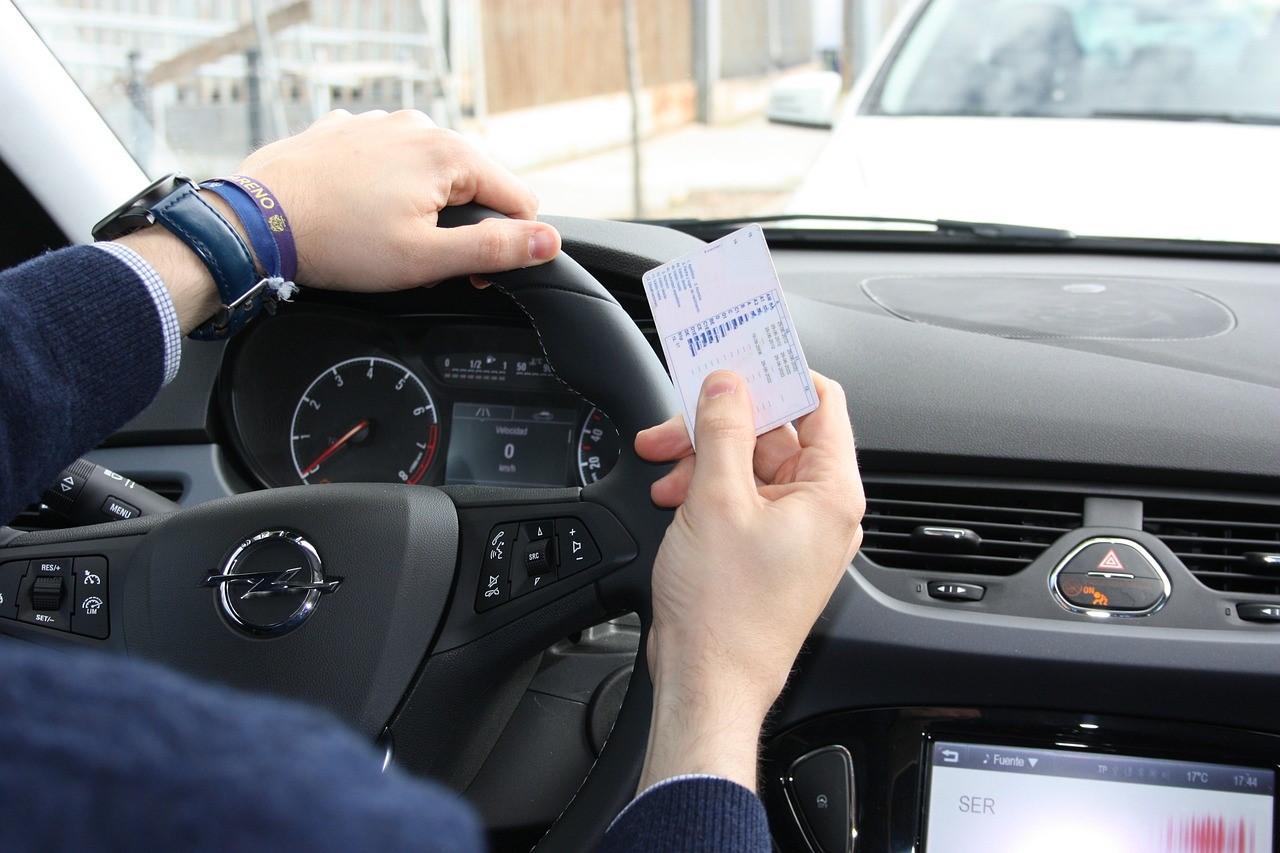 permisos de conducir necesarios en España Finauto