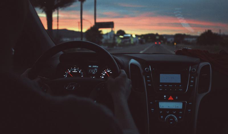 Cómo aumentar nuestra seguridad vial cuando conducimos de noche